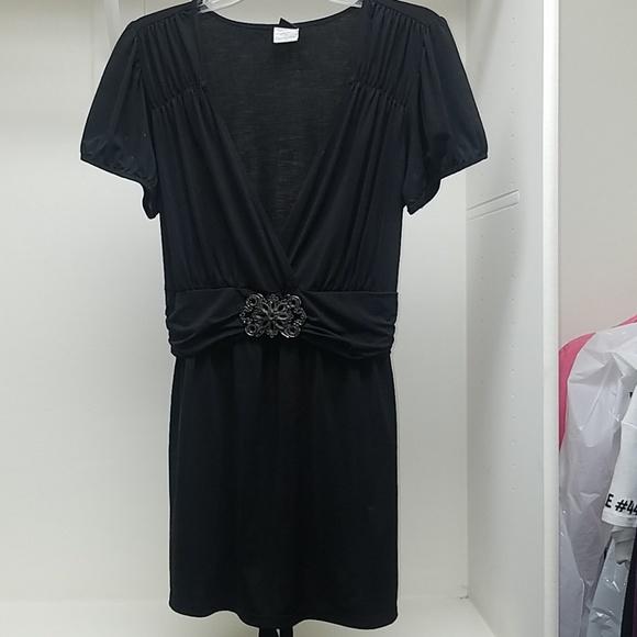 Wrapper Tops - Black v-neck top